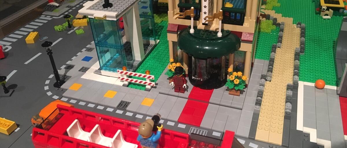LEGO sightseeing tour